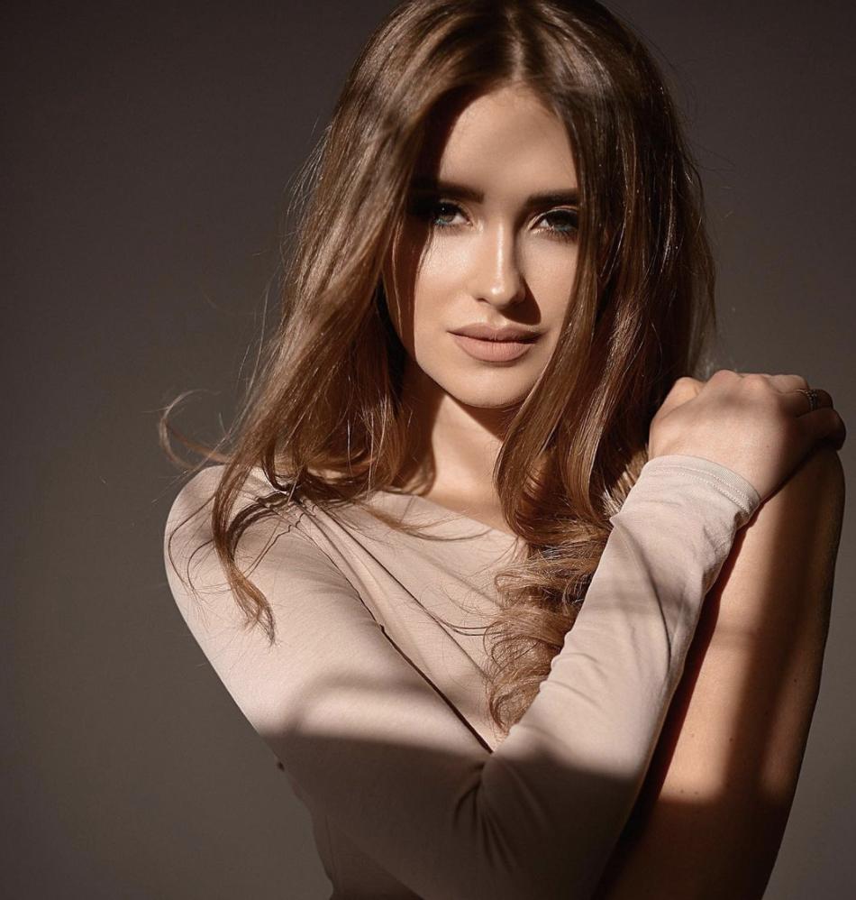 Єлизавета Лещова, Shine Dance Academy
